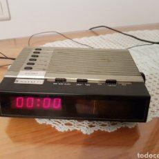 Radios antiguas: RADIO DESPERTADOR ANTIGUO SOUND 372 MADE IN GERMANY. Lote 121242515