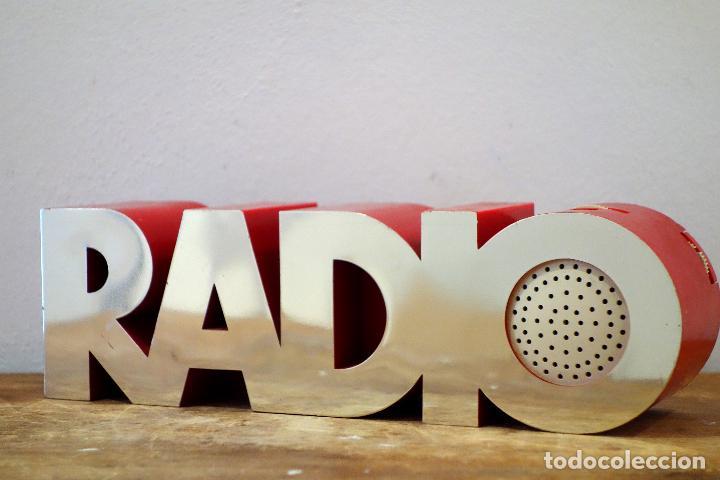 RADIO TRANSISTOR VINTAGE ISIS MODELO 20 1 ECKHARD WEGNER PARA ISIS ELECTRONICS AM FM (Radios, Gramófonos, Grabadoras y Otros - Transistores, Pick-ups y Otros)