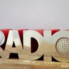 Radios antiguas: RADIO TRANSISTOR VINTAGE ISIS MODELO 20 1 ECKHARD WEGNER PARA ISIS ELECTRONICS AM FM. Lote 182570391
