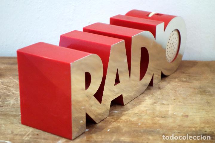 Radios antiguas: Radio transistor vintage ISIS modelo 20 1 Eckhard Wegner para Isis Electronics AM FM - Foto 2 - 182570391