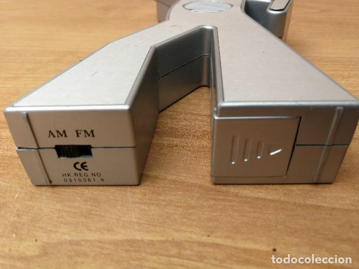 Radios antiguas: CURIOSA RADIO TRANSISTOR BALLANTINES PUBLICIDAD MERCHANDISING FUNCIONANDO - Foto 7 - 122486851