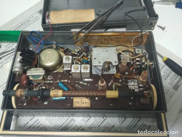 Radios antiguas: ANTIGUO TRANSISTOR PHILCO TRANSISTONE - AÑO 1958 - FUNCIONANDO - Foto 7 - 123554563