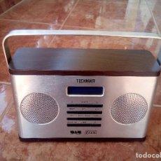 Radios antiguas: RADIO DESPERTADOR TECHNIKA. Lote 125806399