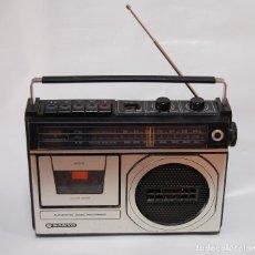 Radios antiguas: RADIO CASETTE SANYO VINTAGE FUNCIONANDO. Lote 127467499