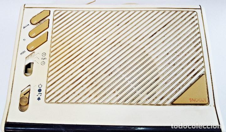 Radios antiguas: Radio reloj GRUNDIG SONOCLOK 24 - Foto 3 - 127671555