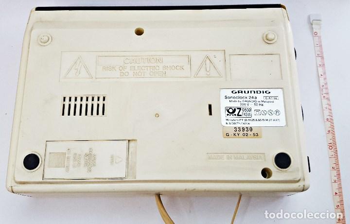 Radios antiguas: Radio reloj GRUNDIG SONOCLOK 24 - Foto 5 - 127671555