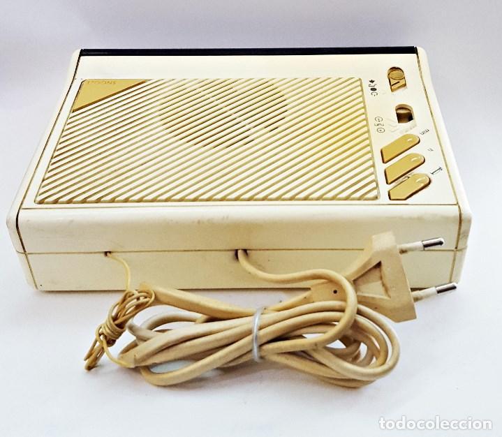 Radios antiguas: Radio reloj GRUNDIG SONOCLOK 24 - Foto 8 - 127671555