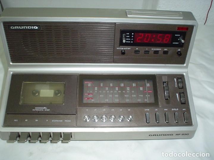 RADIO CASETE GRUNDIG RF 830 (Radios, Gramófonos, Grabadoras y Otros - Transistores, Pick-ups y Otros)