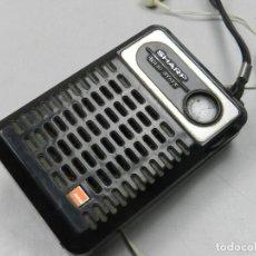 Radios antiguas: ANTIGUA TRANSISTOR RADIO SHARP SOLIDE STATE AÑOS 70 NEGRO . Lote 127889751