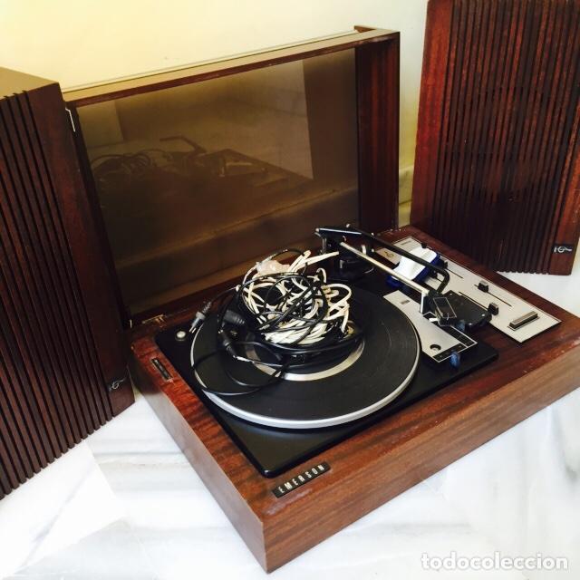 TOCADISCOS EMERSON CON SUS ALTAVOCES EN MADERA (Radios, Gramófonos, Grabadoras y Otros - Transistores, Pick-ups y Otros)