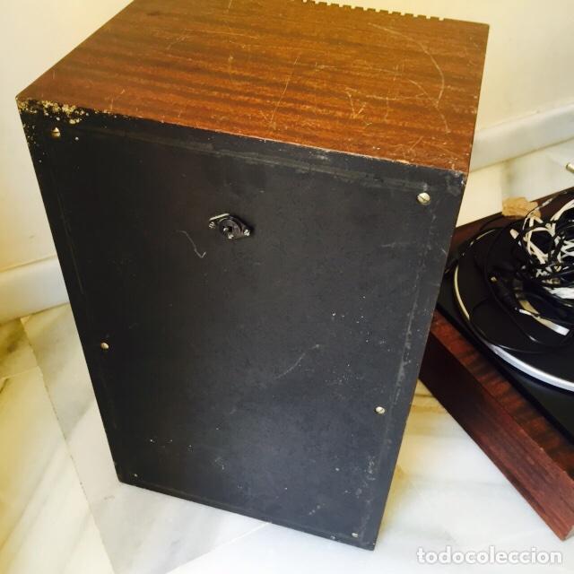 Radios antiguas: Tocadiscos emerson con sus altavoces en madera - Foto 16 - 127968656