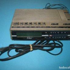 Radios antiguas: VINTAGE - RADIO DESPERTADOR MARCA OSKAR AM/FM - FUNCIONA CON LUZ 220 O PILA DE 9V - 18 X 11 X 4 CM. Lote 128055287