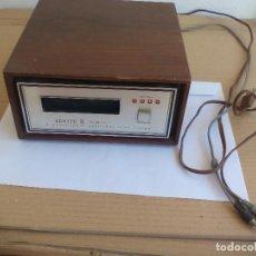 Radios antiguas: LECTOR DE CARTUCHOS DE 8 PISTAS. ZENITH D-631 STEREOPHONIC CARTRIDGE TAPE PLAYER. Lote 128138779