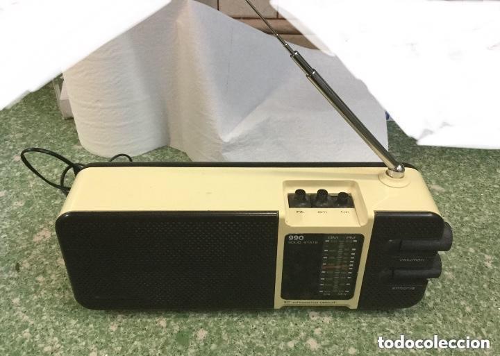 Radios antiguas: Radio transistor LAVIS AM/FM, mod. 990 SOLID STATE a corriente y a pilas - Foto 7 - 128640555