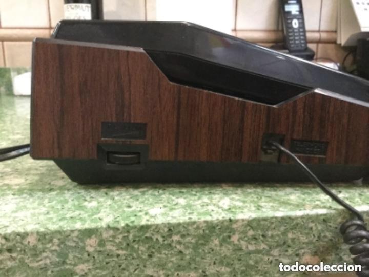 Radios antiguas: Teléfono contestador con radio y reloj.- Marca International, modelo TL-6830 - Foto 11 - 128641063