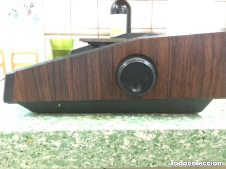 Radios antiguas: Teléfono contestador con radio y reloj.- Marca International, modelo TL-6830 - Foto 16 - 128641063