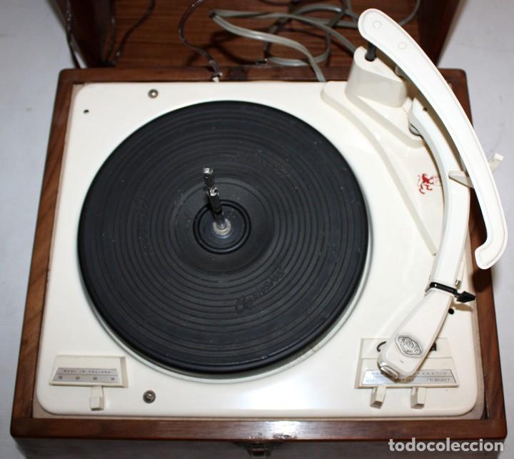 Radios antiguas: ANTIGUO TOCADISCOS INGLES DE LA MARCA GARRARD. MODELO 210. CON MALETA. BUEN ESTADO - Foto 3 - 129234215