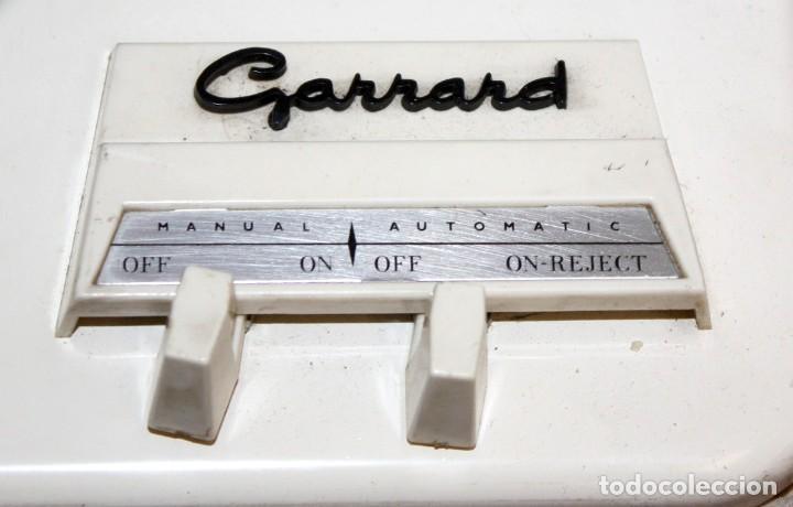 Radios antiguas: ANTIGUO TOCADISCOS INGLES DE LA MARCA GARRARD. MODELO 210. CON MALETA. BUEN ESTADO - Foto 6 - 129234215