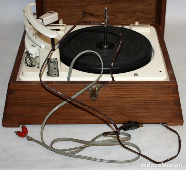 Radios antiguas: ANTIGUO TOCADISCOS INGLES DE LA MARCA GARRARD. MODELO 210. CON MALETA. BUEN ESTADO - Foto 10 - 129234215
