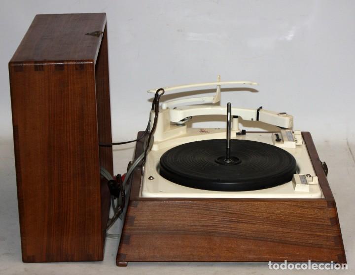 Radios antiguas: ANTIGUO TOCADISCOS INGLES DE LA MARCA GARRARD. MODELO 210. CON MALETA. BUEN ESTADO - Foto 11 - 129234215