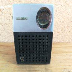 Radios antiguas: RADIO TRANSISTOR PHILIPS FUNCIONANDO. Lote 129483851