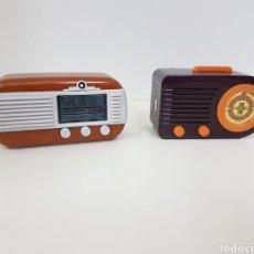 Radios antiguas: RADIO VINTAGE RÉPLICA MINIATURA MEDIDAS APROXIMADAS 10 CM. Lote 131179940
