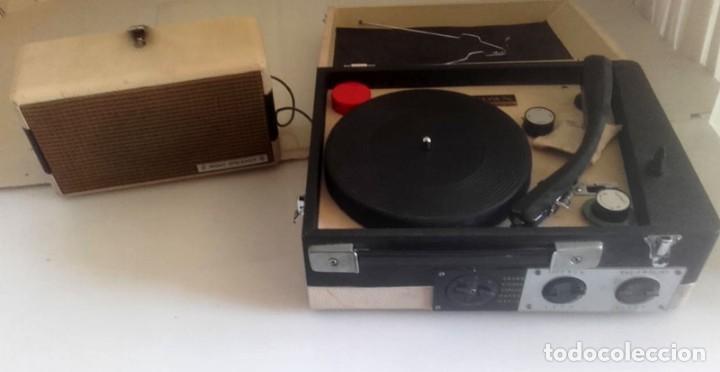 MALETIN RADIO TOCADISCOS CROWN STP.35R (Radios, Gramófonos, Grabadoras y Otros - Transistores, Pick-ups y Otros)