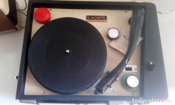 Radios antiguas: MALETIN RADIO TOCADISCOS CROWN STP.35R - Foto 3 - 131624174