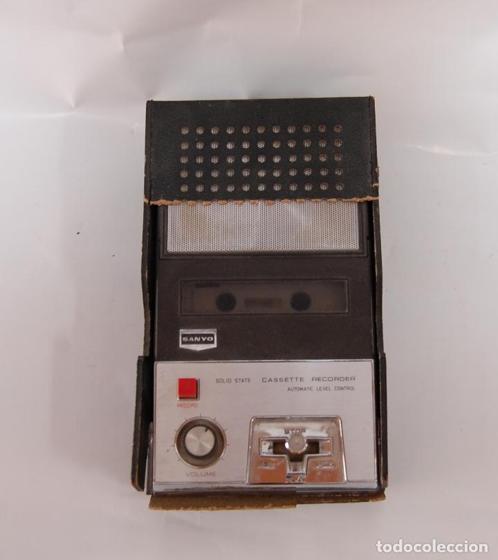 Radios antiguas: CASSETTE RECORDER SANYO - Foto 2 - 131981750
