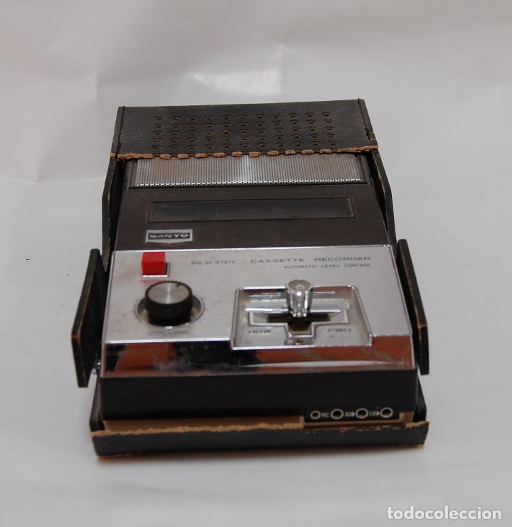 Radios antiguas: CASSETTE RECORDER SANYO - Foto 3 - 131981750