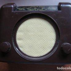 Radios antiguas: APARATO RADIO COLECCION NOSTALGIA DE LA RADIO MODELO BUSH DAC 90 MINIATURA PERFECTO FUNCIONAMIENTO. Lote 132264730