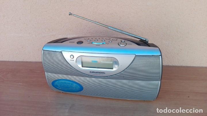 RADIO TRANSISTOR DIGITAL GRUNDIG CONCERT BOY 80 FUNCIONANDO (Radios, Gramófonos, Grabadoras y Otros - Transistores, Pick-ups y Otros)