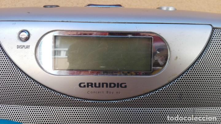 Radios antiguas: RADIO TRANSISTOR DIGITAL GRUNDIG CONCERT BOY 80 FUNCIONANDO - Foto 3 - 132572006