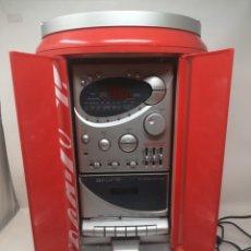 Radios antiguas: COCA COLA RADIO CD CASETE CADENA MUSICA AKURA. FORMA GRAN LATA COCACOLA 50 CTM. Lote 132733994
