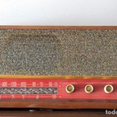 Radios antiguas: RADIO ANTIGUA DE MADERA SOBREMESA 60´S - TRANSISTORIZADA. Lote 133737018