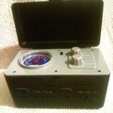 Radios antiguas: RADIO BOMBOX FM-AM A PILAS. FUNCIONA PERFECTAMENTE. Lote 134958510