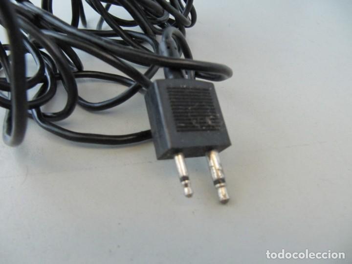 Radios antiguas: Antiguo micrófono Bauer. Tiene un pequeño roto ver fotos - Foto 3 - 134959010