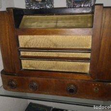 Radios antiguas: ANTIGUA RADIO FUNCIONANDO PERFECTAMENTE. ARMAZON MADERA. Lote 134994374