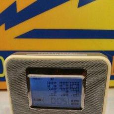 Radios antiguas: RADIO DESPERTADOR PHILIPS CLOCK AJ100 - FUNCIONANDO. Lote 135143714