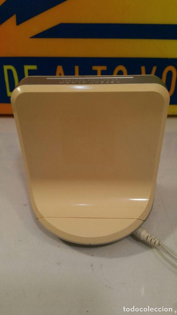 Radios antiguas: RADIO DESPERTADOR PHILIPS CLOCK AJ100 - FUNCIONANDO - Foto 3 - 135143714