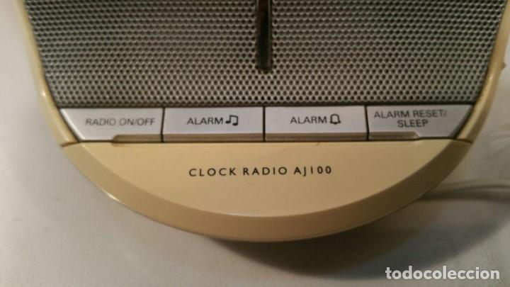 Radios antiguas: RADIO DESPERTADOR PHILIPS CLOCK AJ100 - FUNCIONANDO - Foto 5 - 135143714