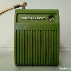Radios antiguas: RADIO TRANSISTOR REALISTIC. Lote 135241970
