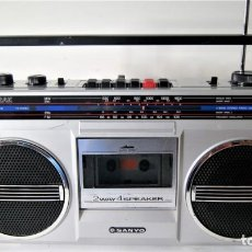 Radios antiguas: RADIO CASSETTE SANYO M9802AK AÑOS 80. Lote 135932134