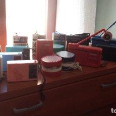 Radios antiguas: 17 RADIOTRANSISTORES AÑOS 60/70 VINTAGE. Lote 136142798