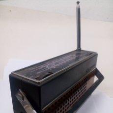 Radios antiguas: RADIO TELEFUNKEN PARTNER NT 305. Lote 136700041