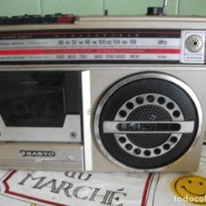 Radios antiguas: RADIO CASSETTE RECORD M 2402-7F SANYO . Lote 138655858