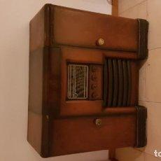 Radios antiguas: RADIO-PICK UP Y MUEBLEBAR. Lote 140043658