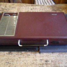 Radios antiguas: TOCADISCOS PHILIPS PORTATIL - BAQUELITA - VINTAGE - FUNCIONANDO 220VOL. Lote 140167090
