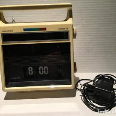 Radios antiguas: RADIO RELOJ VINTAGE AÑOS 70. Lote 140956466