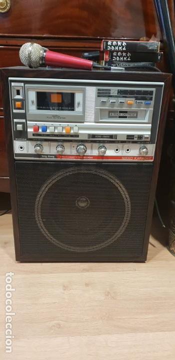 KARAOKE PRIMITIVO DE CARTUCHOS AÑOS 70 80 FUNCIONANDO CON 2 MICROS (Radios, Gramófonos, Grabadoras y Otros - Transistores, Pick-ups y Otros)
